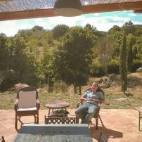 Laura nel patio a casa di Debora